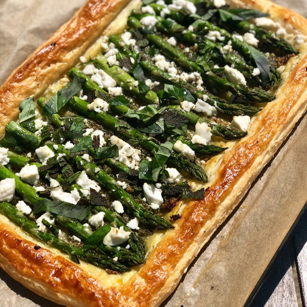 Asparagus, pesto and goats cheese tart