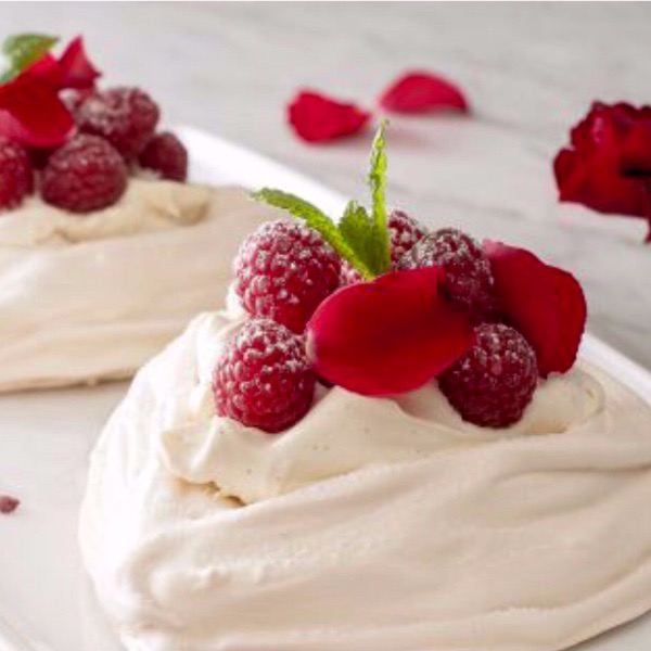 Meringues with Chantilly Cream