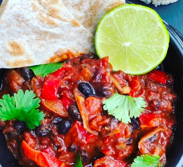 vegan black bean & pepper chilli